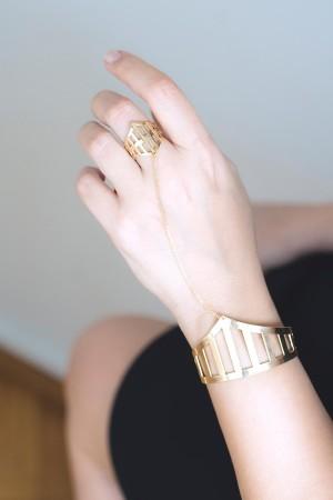 COMFORT ZONE - ARMOR CUFF - Ring Bracelet (1)