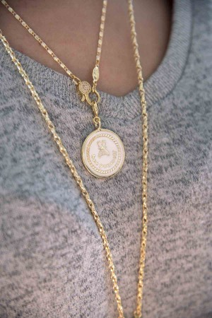 PETIT CHARM - BEE YOURSELF - White Enamel Medal (1)