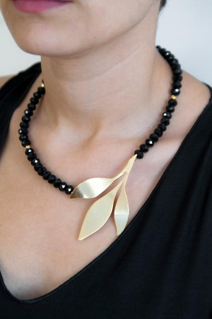 BLACK BRANCH - Sideways Necklace - Thumbnail