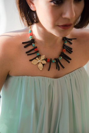SHOW TIME - BLACK CORAL - Multi-Stone Necklace (1)
