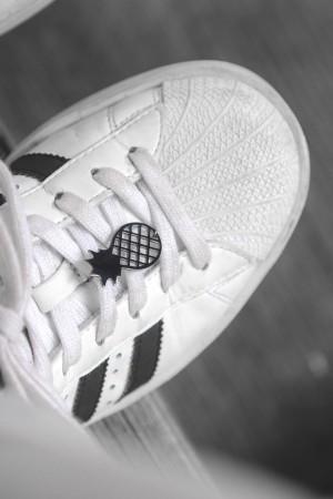 PLAYGROUND - BLACK PINEAPPLE - Ayakkabı Broşu (1)
