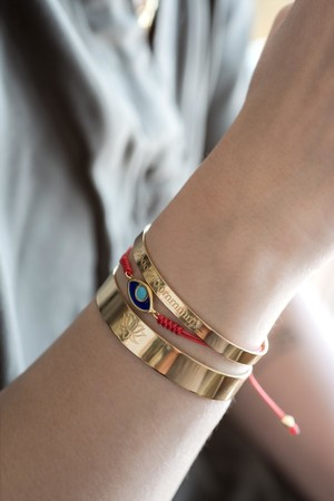 COMFORT ZONE - BLOSSOM CUFF - Lotus Engraved Bracelet (1)