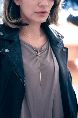 COMFORT ZONE - CUBICAL BAR - Layered Bar Necklace (1)