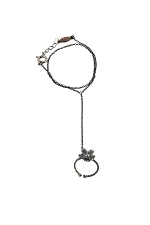 BAZAAR - DARK DAISY - Hand Chain