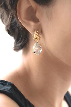 PLAYGROUND - DIAMOND BEE - Dangling Earrings (1)