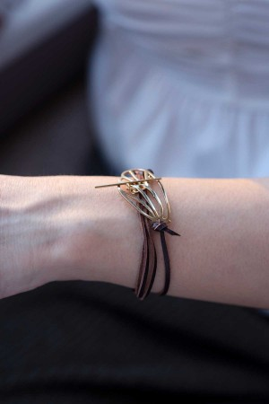 PLAYGROUND - DRAW A LEAF - Leather Wrap Bracelet (1)