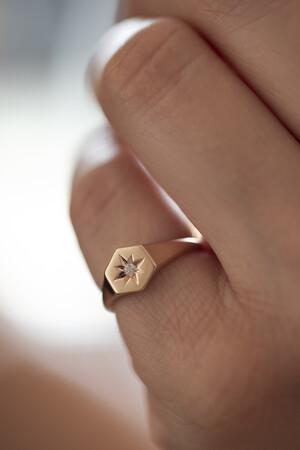 PETITE LUXE - EMPIRE - Star Set Diamond Ring (1)