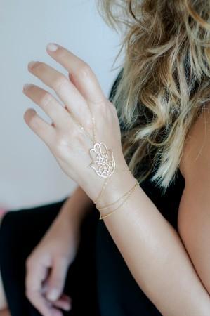 SHOW TIME - FATIMA - Gold Hand Chain (1)