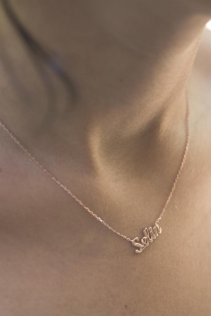 PETITE JEWELRY - HAND SCRIPT - Name Necklace