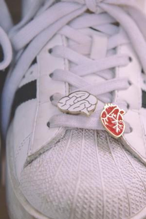 BAZAAR - HEART OR BRAIN - Ayakkabı Broşu (1)