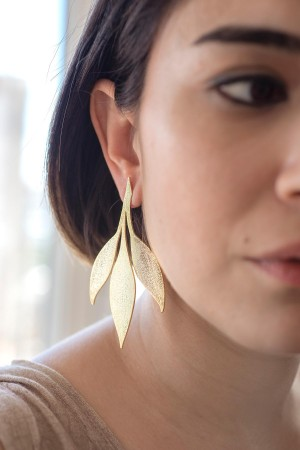 SHOW TIME - LEAVES - Gold Statement Studs (1)