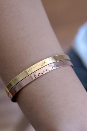 COMFORT ZONE - LOVE MORE - Motto Bracelet (1)