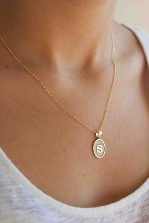 74e12d4ff534 MEDAIL - Old Style Initial Pendant Necklace - Personalized Vintage ...