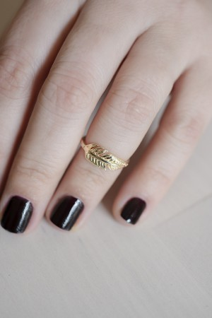 PLAYGROUND - MINI FEATHER - Knuckle Ring (1)