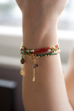 PLAYGROUND - MINI ALOHA - Coral Beaded Stretch Bracelet (1)