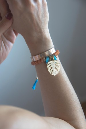 BAZAAR - MONSTERA - Tassel Embellished Beaded Bracelet (1)