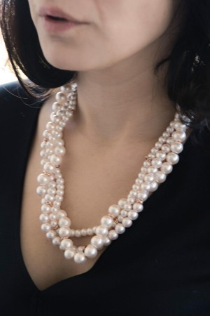 SHOW TIME - MULTI PEARLS - Faux Pearl Necklace (1)