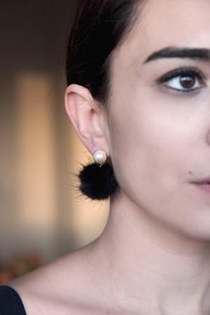 COMFORT ZONE - PEARLY FUR - Pearl Earrings (1)