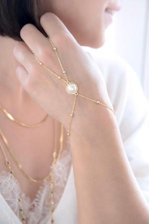 SHOW TIME - PRINCESS - Pearl Hand Chain (1)