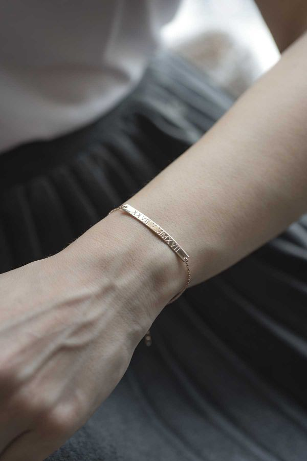 Roma Roman Numerals Id Bracelet Personalized Bar
