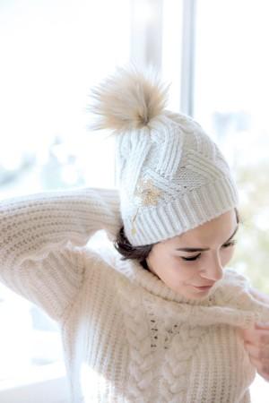 HAPPY SEASONS - ROMANTIC - Braided Wool Beanie (1)