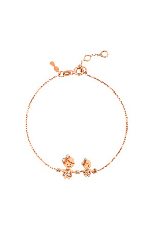 PETITE FAMILY - SISTERS - Dainty Bracelet for Mom (1)