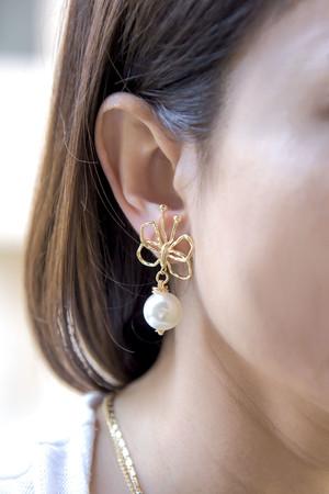 PLAYGROUND - SPLENDOR - Pearl Earrings (1)