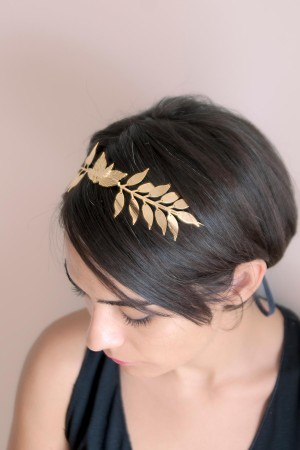 PLAYGROUND - SPRAY - Bridal Tiara (1)