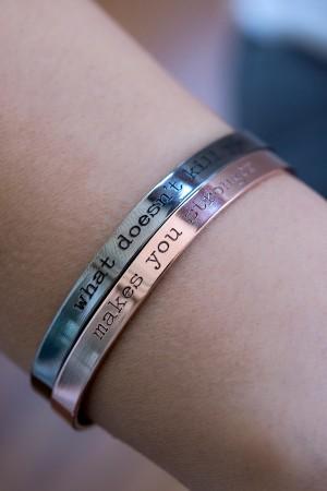 COMFORT ZONE - STRONGER - Cuff Bracelet (1)