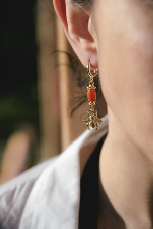 PLAYGROUND - TINY BUG - Dangling Earrings (1)