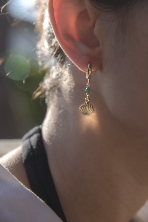 PLAYGROUND - TINY OYSTER - Asymmetrical Earrings (1)