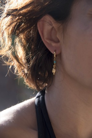 PLAYGROUND - TINY SEASHELL - Asymmetrical Earrings (1)