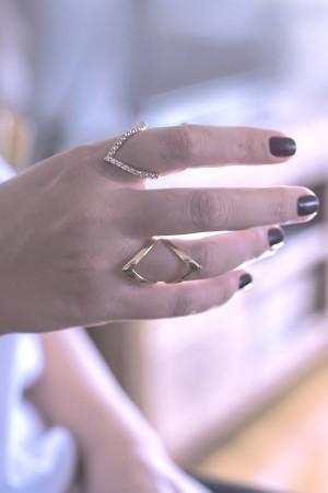 COMFORT ZONE - V Ring - Gold Filled Chevron Ring (1)