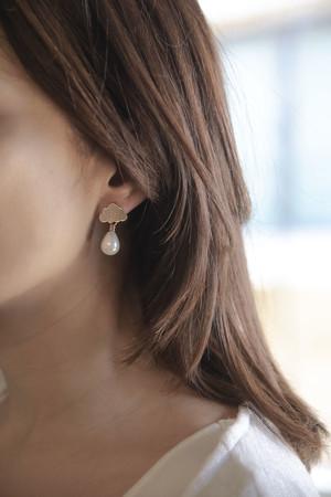 PLAYGROUND - WHITE RAIN - Pearl Drop Earrings